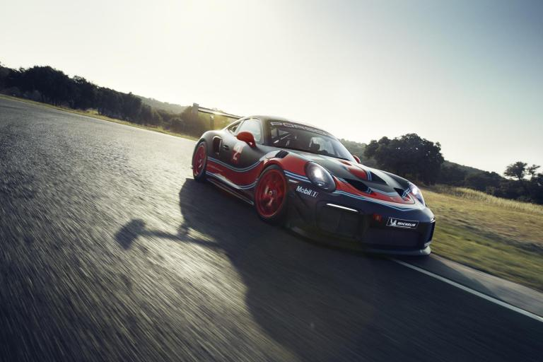 Porsche 911 GT2 RS Clubsport with 700 hp unveiled