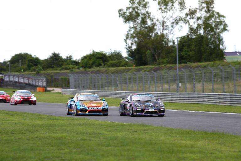 Porsche customers score further victories at Buriram Thailand Super Series round